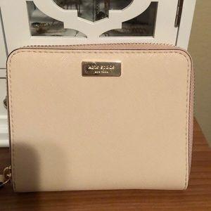 ♠️ Kate spade pale pink wallet